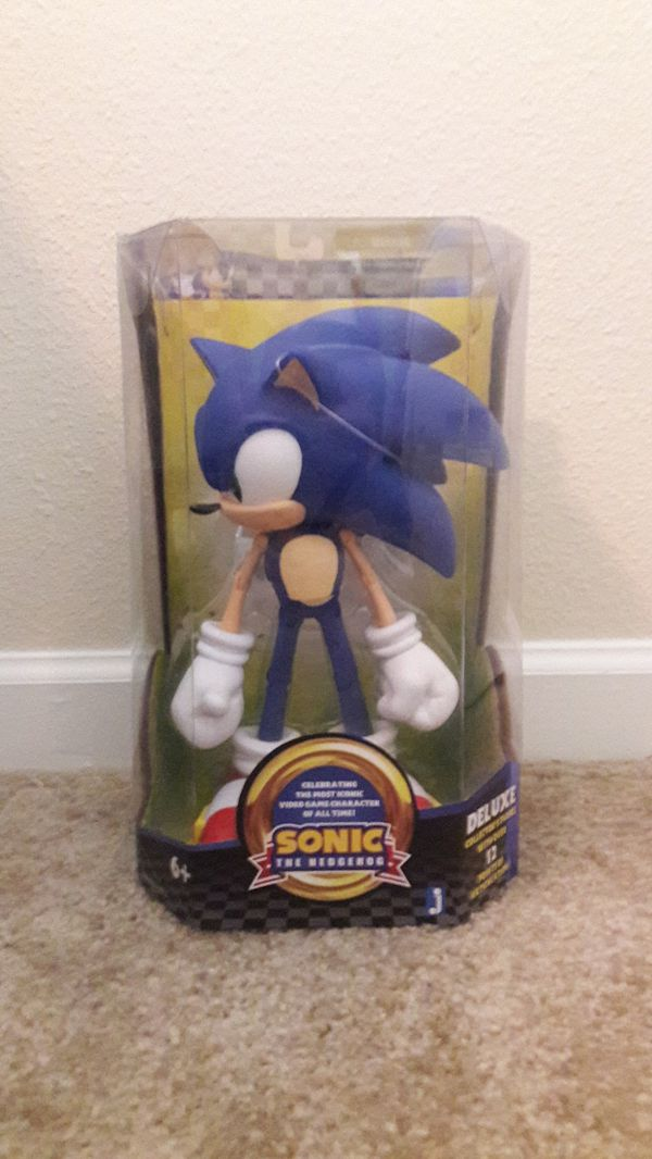 Sonic the hedgehog 10 inch figure for Sale in Easley, SC - OfferUp