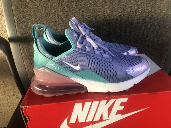 sale retailer a8ab7 d9b72 WOMANS NIKE AIR MAX 270 youth size, but in woman they're 7 1/2 worn a  couple of times for Sale in Bloomington, CA - OfferUp