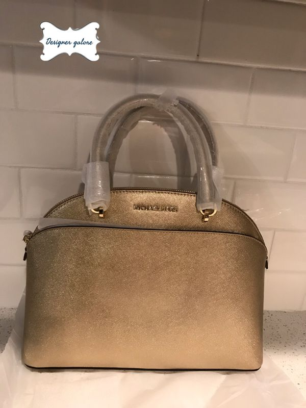 a6f76bb4caed NWT large Michael Kors Emmy Satchel for Sale in El Paso