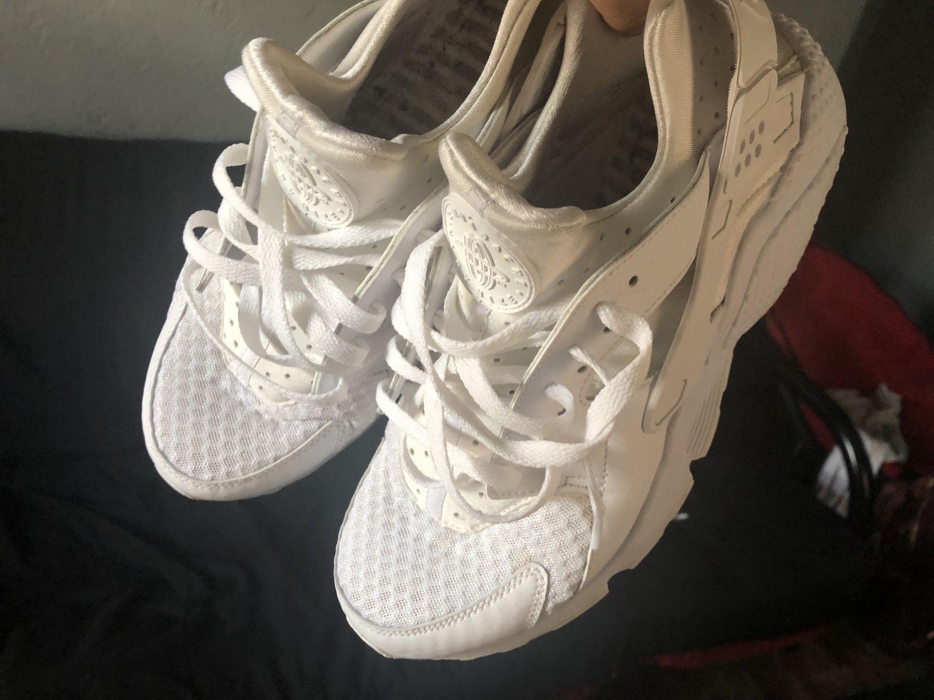 Nike Triple White Hurraches