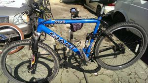 Giant mountain bike for Sale in Oakland, CA