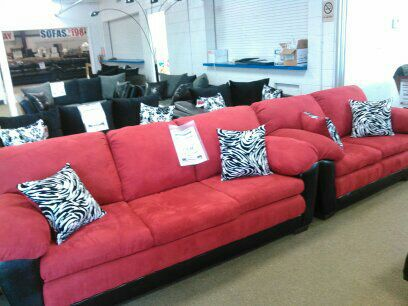 Modern Red Sofa and Loveseat set for Sale in Lansing, MI - OfferUp
