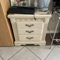 Dresser And Night Dresser   Thumbnail