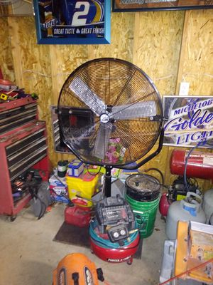 Maxx air fan for Sale in Lincoln Park, MI