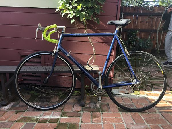 258c5e4b503 NEGOTIABLE VINTAGE Cannondale Road Bike SIZE 59 for Sale in Playa ...