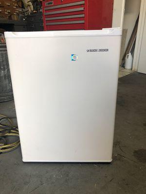 Black & Decker mini fridge for Sale in Weston, FL