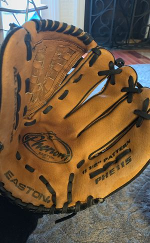 "Easton PHE115"" Phenom Baseball Glove 11.5 Right Handed Thrower for Sale in North Potomac, MD"