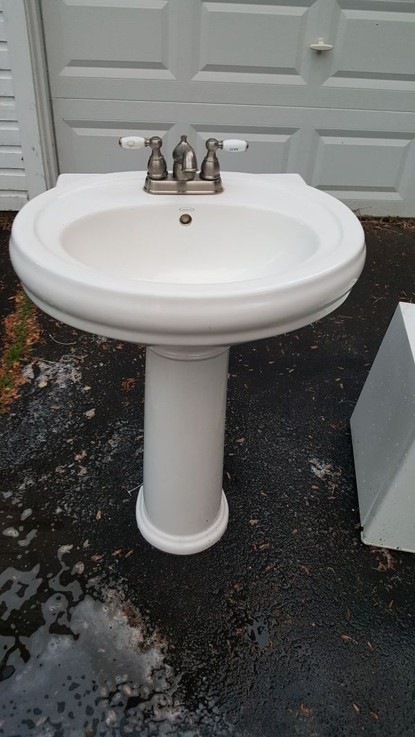 Jacuzzi Brand Pedestal Sink for Sale in US - OfferUp