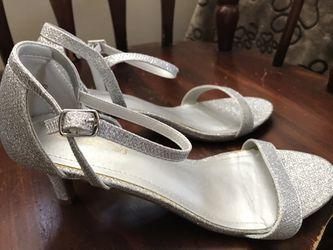 Silver Size 8.5 Women's Shoes  Thumbnail