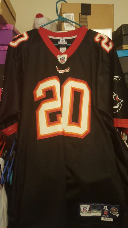 new product d1023 33216 Throwback Stiched Ronde Barber Jersey for Sale in Tampa, FL - OfferUp