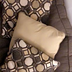 Pillows / Couch Thumbnail