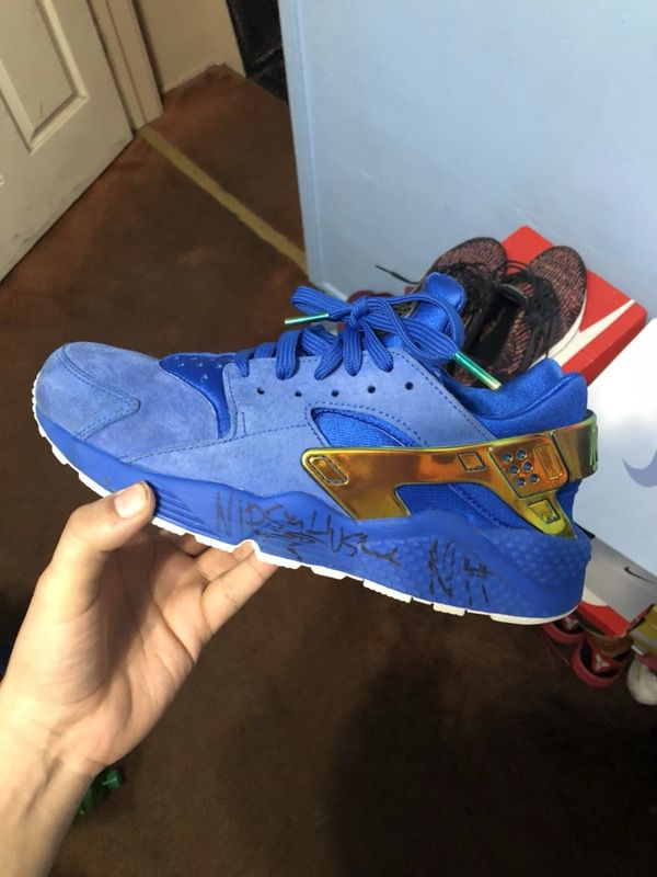 """5466834e063a Nipsey Hussle signed """"Crenshaw"""" Huaraches Size 10.5 for Sale in Compton"""