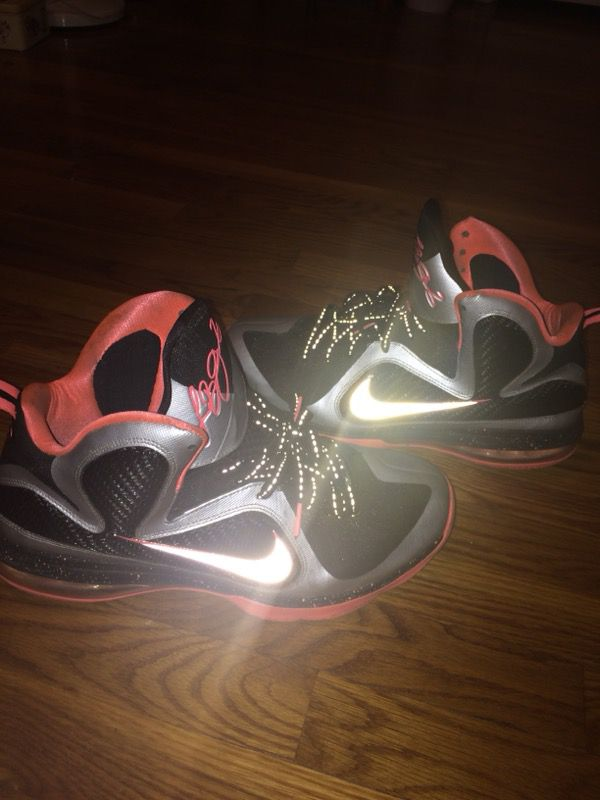 "83a26cb655f394 Lebron 9 ""Mangos"" for Sale in Newport News"