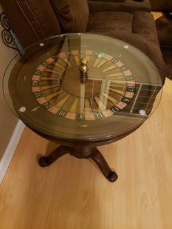 Roulette side table Thumbnail
