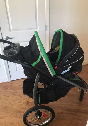 Jogger w/ infant seat and base for Sale in Arlington, VA