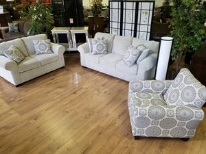 Beautiful living room set for Sale in Pittsburgh, PA