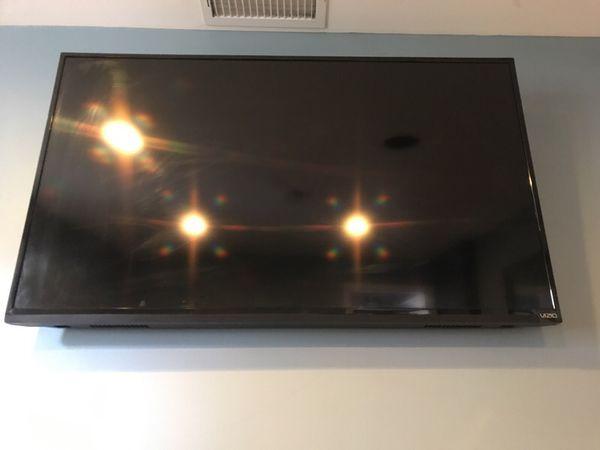 55 inch vizio tv for sale for Sale in Naugatuck, CT - OfferUp