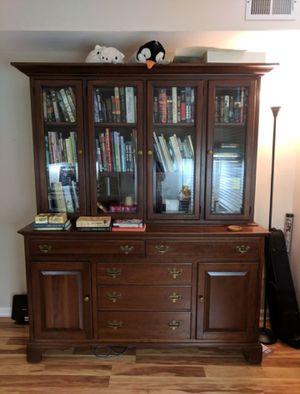Bookshelf/Display Case for Sale in Clifton, VA