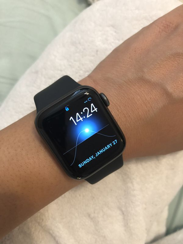 Apple iwatch series 4 40mm gps+cellular for Sale in Hayden Lake, ID -  OfferUp