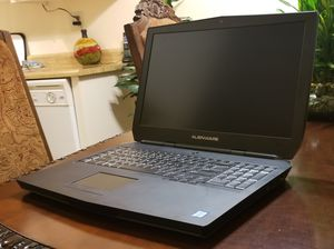 Alienware 17 r3 gaming laptop for Sale in Los Angeles, CA