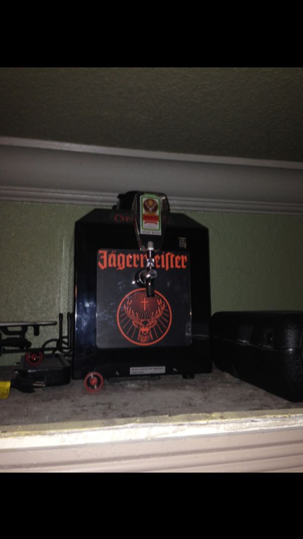 Jager Shot Machine and ST Pauli Girl Neon Sign for Sale in West Palm Beach,  FL - OfferUp