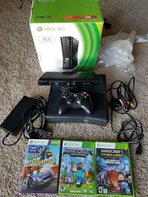 Xbox 360 with Kinect for Sale in Detroit, MI