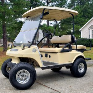 2002 CLUB CAR 48v Jake's Lift! Quick Project with Minor Repair for Sale in Cary, NC