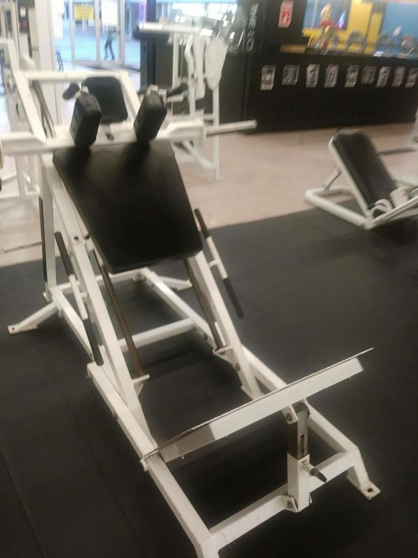 GYM EQUIPMENT, BODY MASTERS HACK SQUAT MACHINE for Sale in Miami, FL -  OfferUp