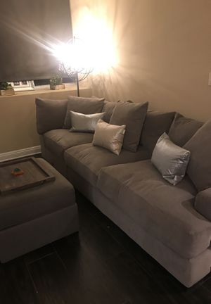 Fantastic New And Used Couch Pillows For Sale In Cudahy Ca Offerup Andrewgaddart Wooden Chair Designs For Living Room Andrewgaddartcom