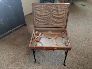 Photo Vintage Samsonite suitcase