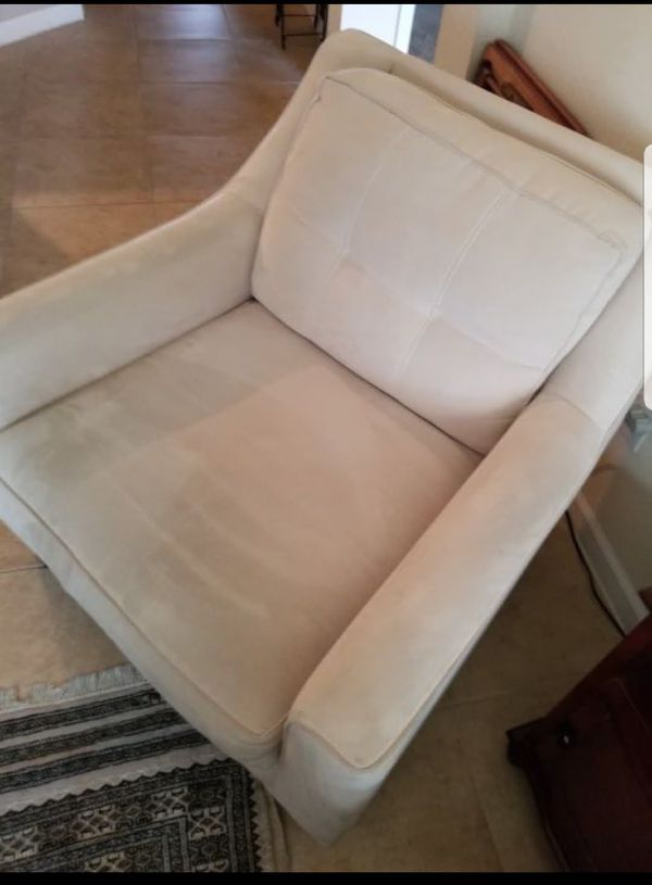 Chair By Cindy Crawfordrooms To Go For Sale In Ocala Fl Offerup