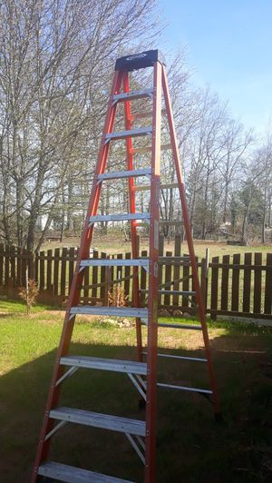 Photo WERNER 10 STEP FIBERGLASS LADDER 300 LBS CAPACITY EXTRA HEAVY DUTY