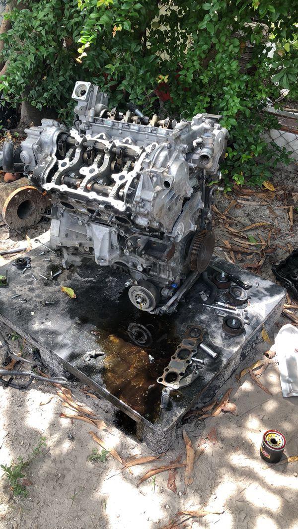 VHR G37/370z Block 350z/g37/370z 6 speed manual transmission for Sale in  Miami, FL - OfferUp