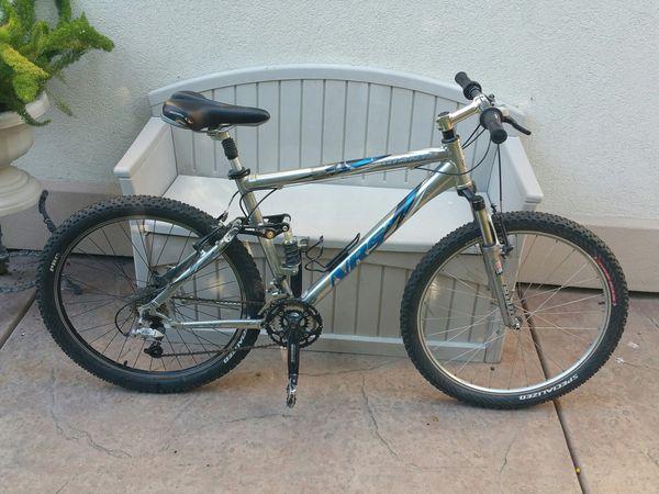 2012 Niner Jet 9 RDO Full Carbon Mountain Bike. (Small
