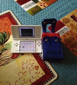 Nintendo ds en perfecto estado con su cargador no lo tome en la foto pero lo trae y su estuche de camisa de Mario bros for Sale in Gaithersburg, MD