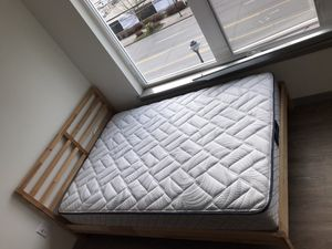Photo Full size mattress and IKEA bed frame can buy separate buy different prices