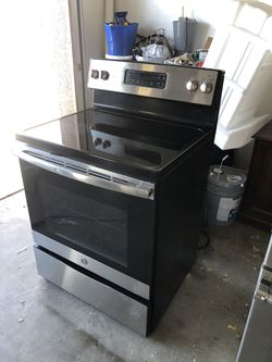 GE Electric Range Stainless Steel Good Condition Everything Work Perfect Thumbnail
