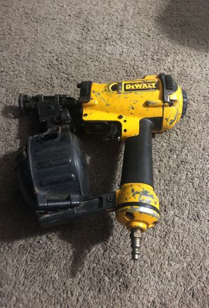 Roof nail gun (DeWALT) for Sale in Brentwood, MD