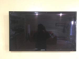 """Samsung 37"""" LED flat screen tv for Sale in Silver Spring, MD"""
