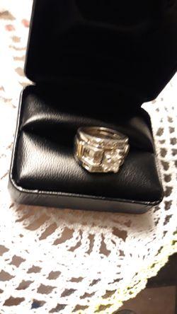 Beautiful princess diamond ring. Thumbnail