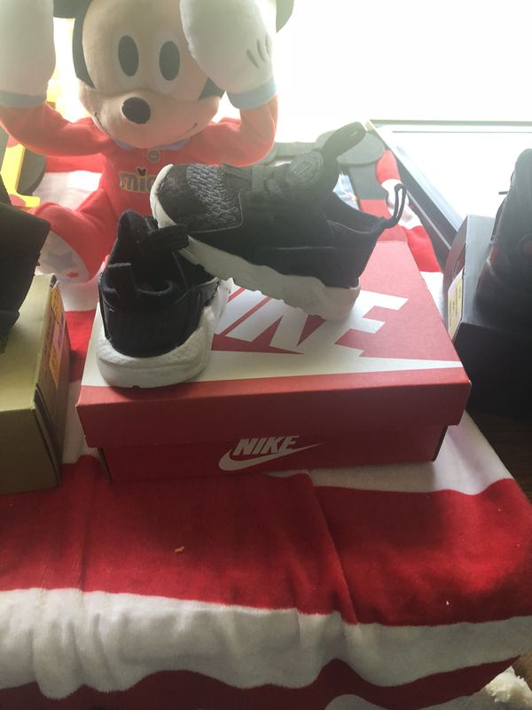 3d762e102ecd Infant Nike Huaraches ( 4C ) for Sale in Snow Hill