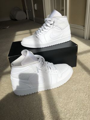 Photo All white Jordan 1 size 9.5