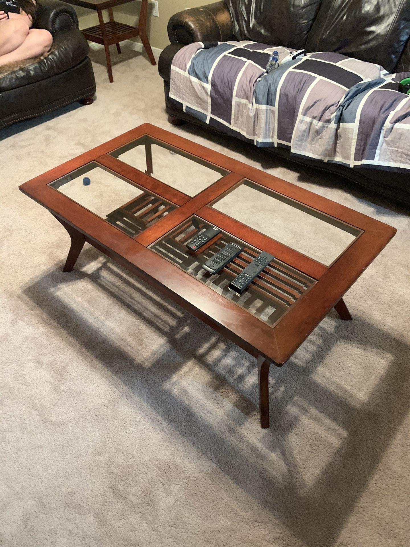 Coffee table good condition.