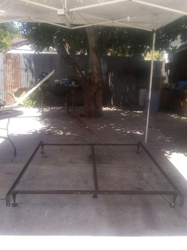 Frame de metal para Quinn siez y California King (Furniture) in ...