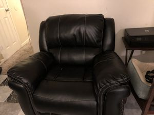 Black Leather Recliner Chair for Sale in Washington, DC