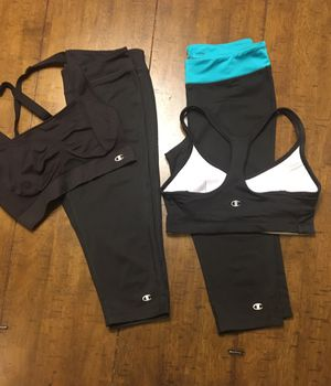 "CHAMPION ""sport clothes size small for Sale in Maricopa, AZ"