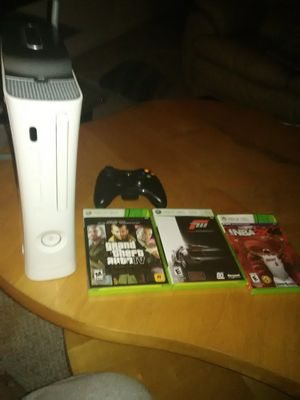 Xbox 360, like new, for Sale in Frederick, MD