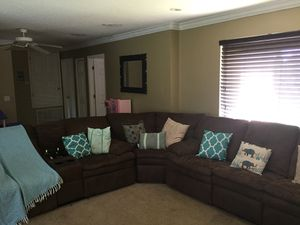 Three piece recliner for Sale in Haines City, FL