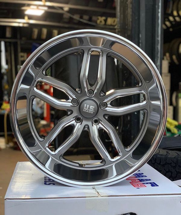 """Brand New 22"""" Stagger Us Mag Wheels And Tires On Special"""