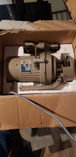 Pfaff commercial sewing machine and Clutch high RPM sewing machine motor Thumbnail